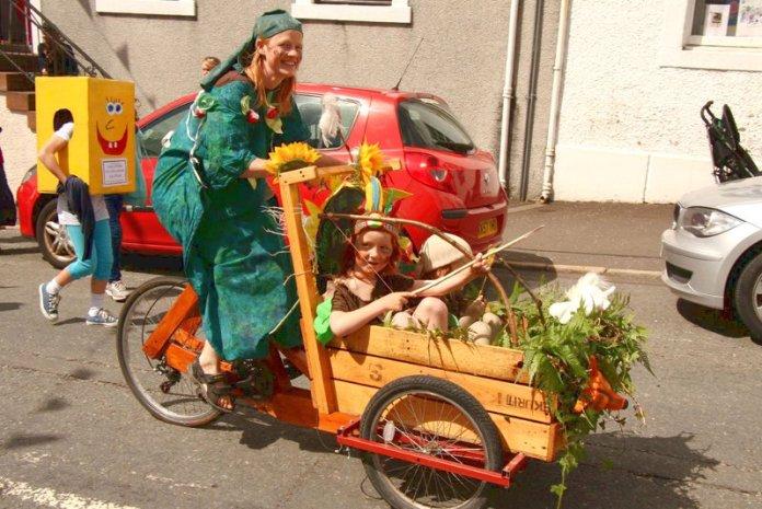 Genitori principi permacultura bambini Lusi