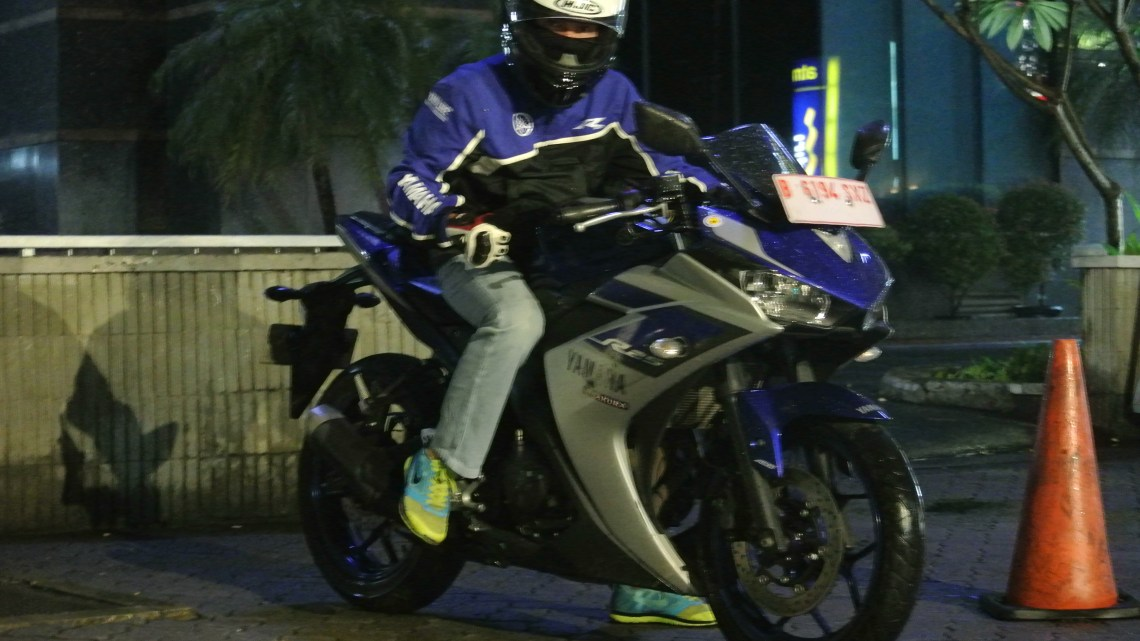 Yamaha R25 Sangat Enak dan Tergolong Murah Untuk Dioprek, Part Racing Bejibun!