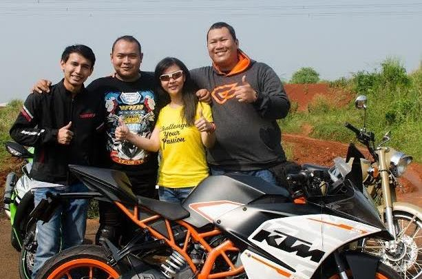 Video Review KTM RC390 Bersama Bendigo Motor dan Dua Blogger Senior