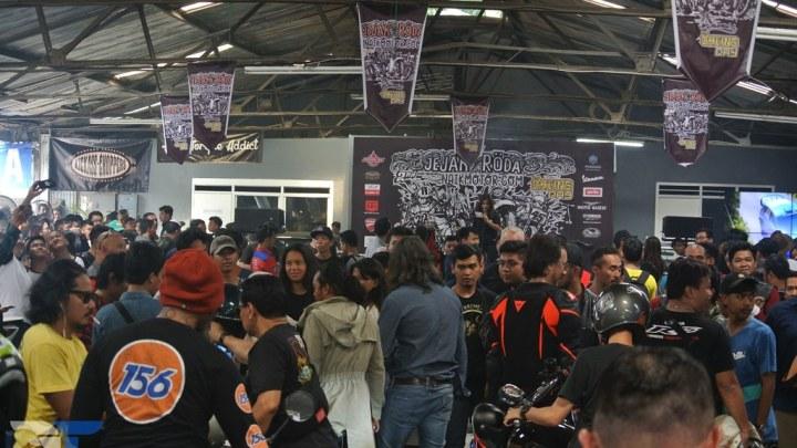 Acara Öhlins Day Di Ramaikan Oleh Ribuan Bikers, Segala Genre Motor Hadir Disitu!