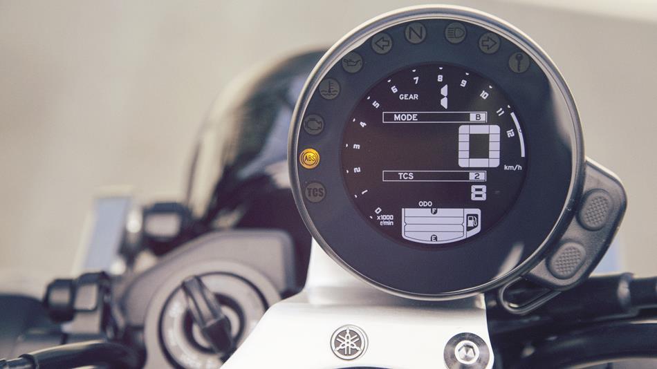 2017-Yamaha-XSR900-EU-Garage-Metal-Detail-007