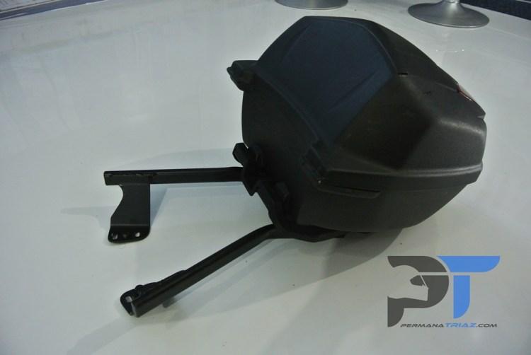 Aksesoris Yamaha Lexi Bracket Box