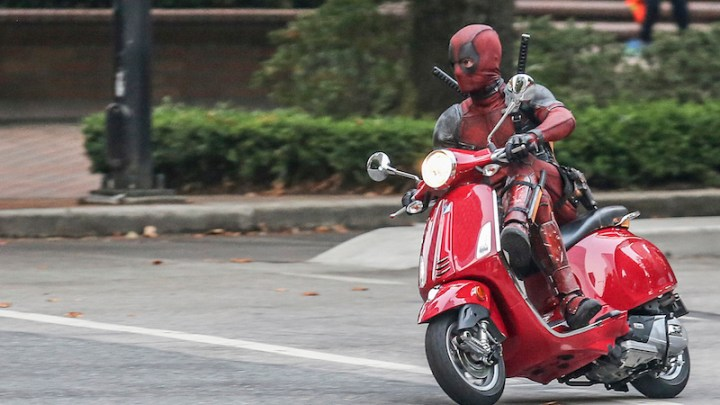 Gokil, Ada Rider Pakai Helm HJC Deadpool di MotoGP Perancis 2018!