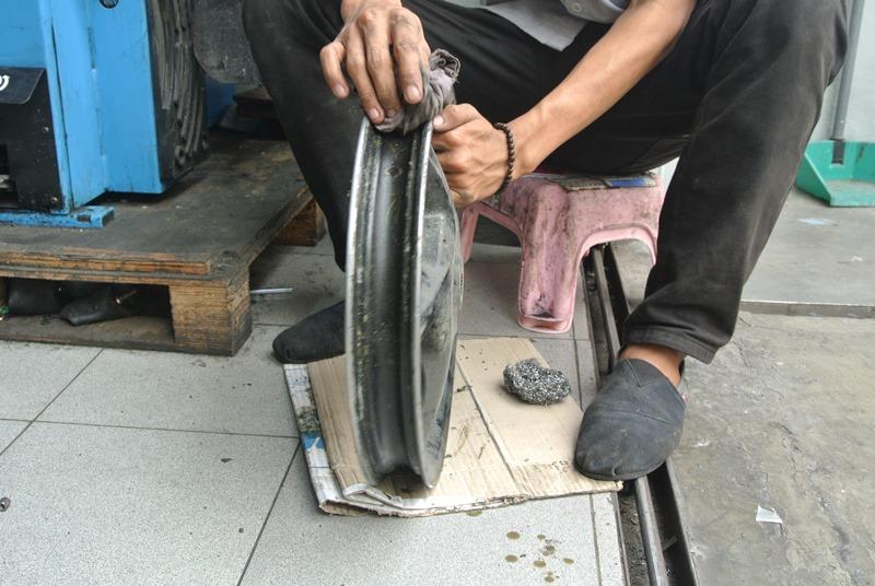 Toko Ban Motor Jakarta Motoxpress Kebon Jeruk 3