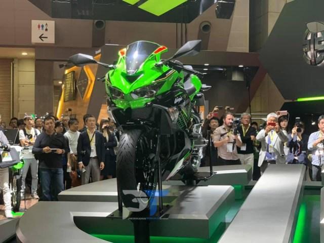 Mega Gallery Kawasaki Ninja ZX-25R