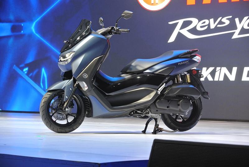 Sadis, Harga All New NMAX Standar Cuma Selisih 9 Ribu Dengan Honda PCX 150 CBS!