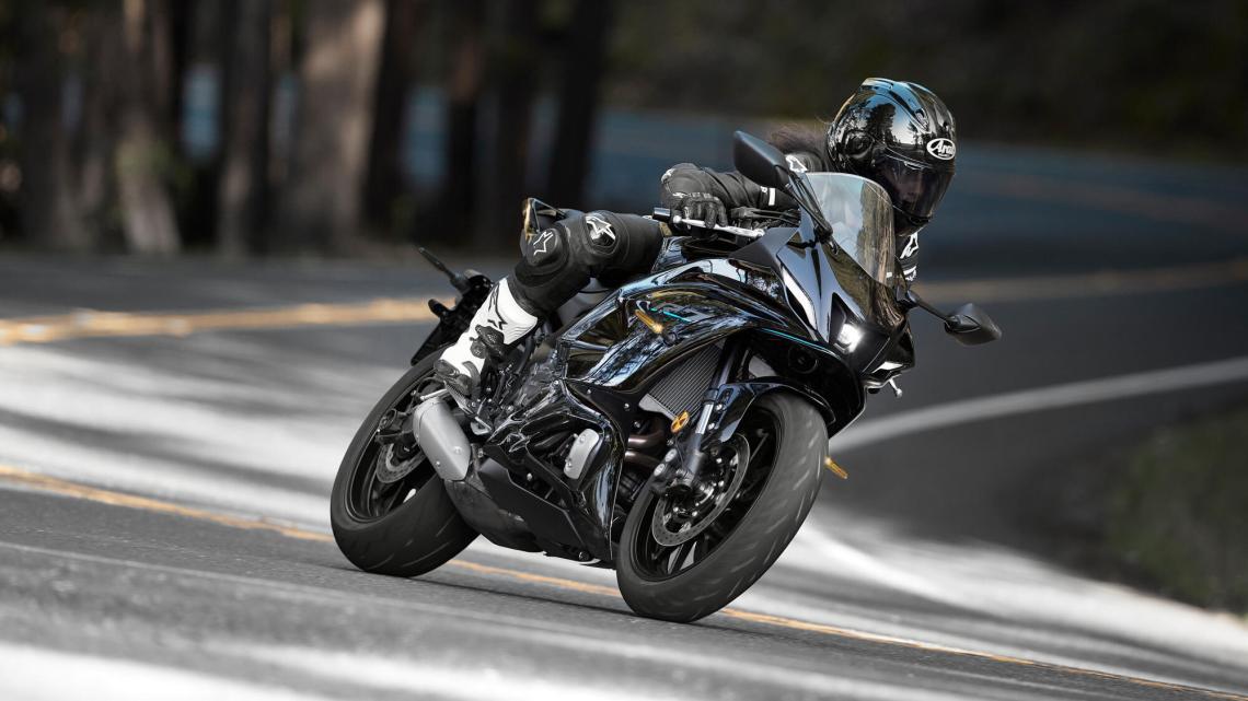 CBU Jepang Bikin Mahal, Sudah Saatnya Yamaha Men-CKD-Kan Moge 2 Silinder di Indonesia!
