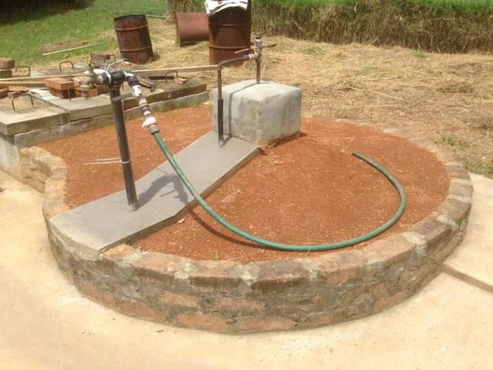 Tom Kendalls concrete pour at Maungaraeeda.