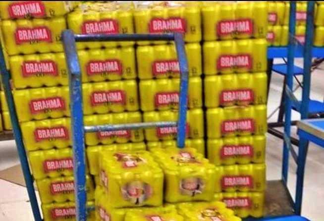 PROCON apreende mais de 220 caixas de cerveja vencida em supermercado do Recife