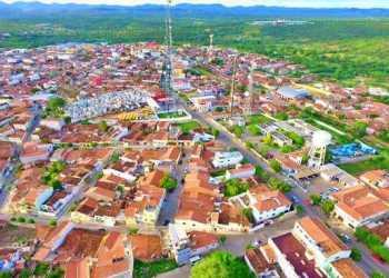 Fortes chuvas em cidades do sertão mudam paisagens e o nível dos reservatórios
