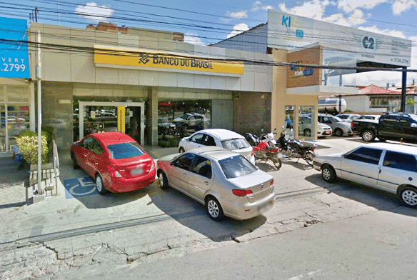 Agência do Banco do Brasil é arrombada no centro de Caruaru; adolescente foi baleado e detido