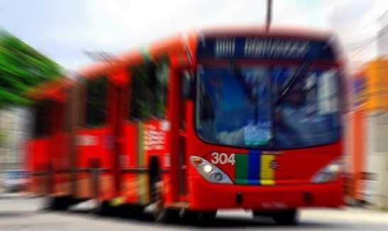 Feriado marcado com 5 assaltos a ônibus no Grande Recife