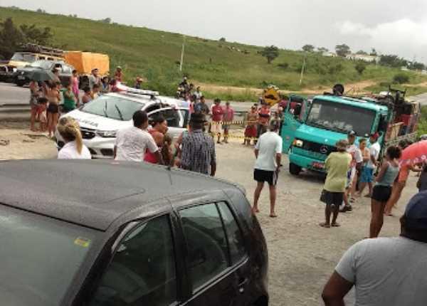 Fatalidade: mulher morre atropelada por caminhão na BR-232 Pernambuco Notícias