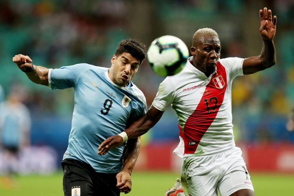 Peru surpreende, elimina Uruguai nos pênaltis e vai às semifinais