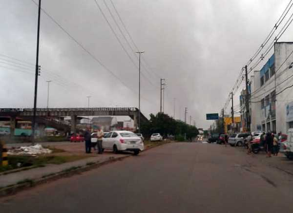 Acidente registrado na via local da BR-232 em Gravatá