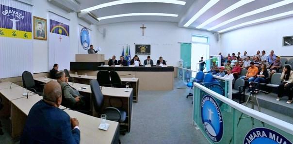 Vereadores debatem futuro de Gravatá em reunião marcada por polêmicas