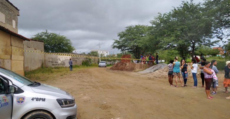 Homem assassinado a tijoladas em Caruaru; a corpo estava em terreno baldio