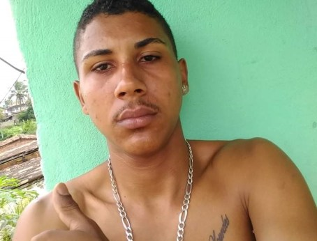 Rapaz assassinado na tarde deste sábado em Carpina; crime aconteceu na COHAB