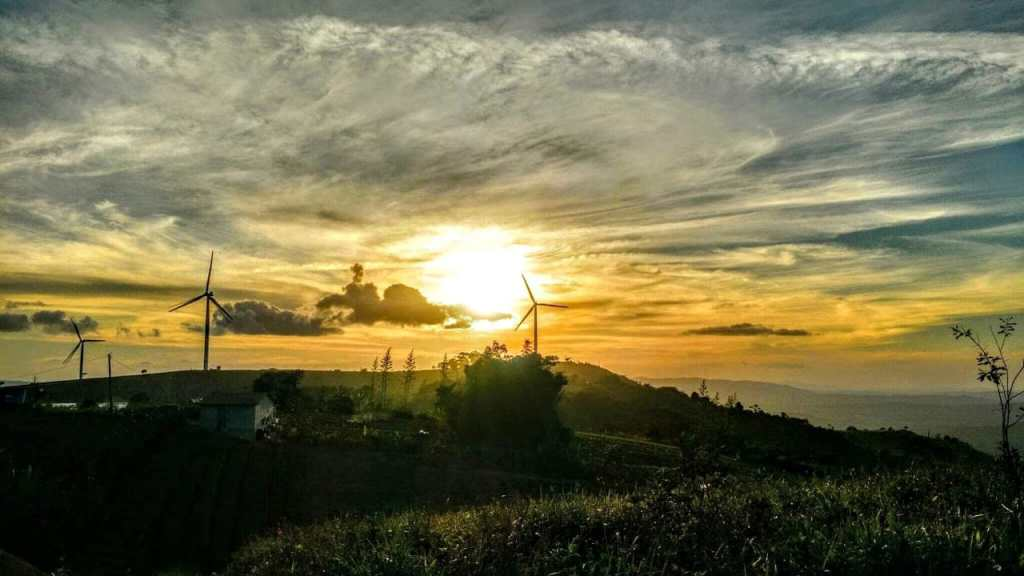 Foto do pôr do sol em Gravatá encanta brasileiros na internet