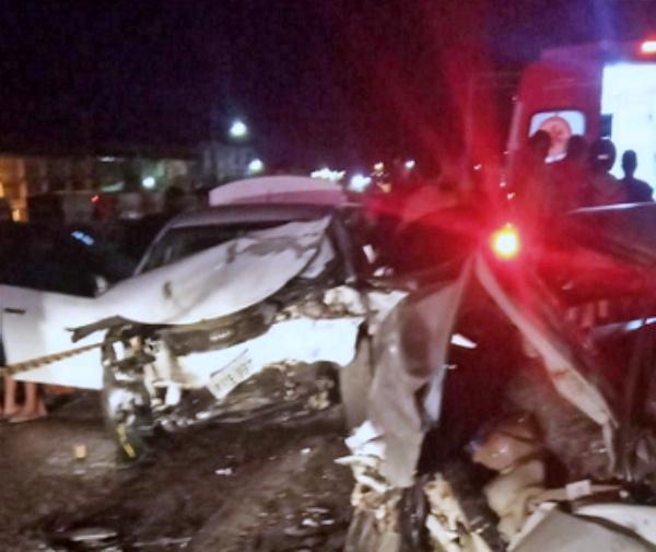 Homem morre em acidente na BR-232 em Pesqueira; duas pessoas ficaram