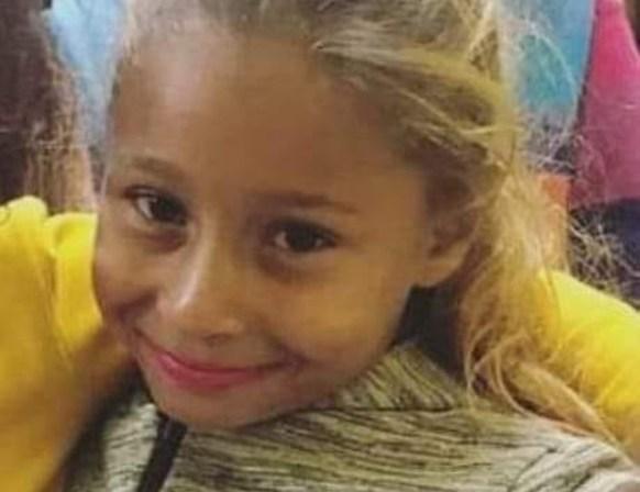 Cruel: vizinho mata criança a facadas com raiva da mãe dela