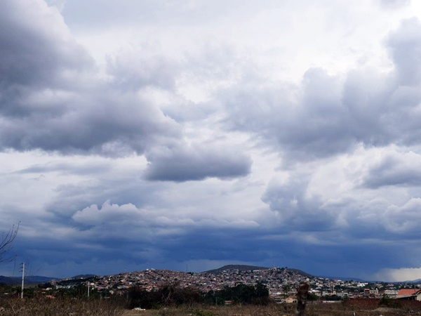 APAC emite alerta de 'chuva forte' para três regiões de Pernambuco