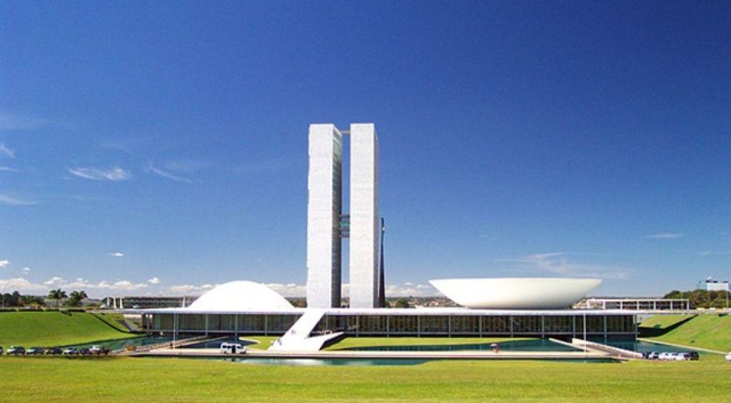 Senado Federal vota hoje projeto que destinará auxílio de R$ 600 para trabalhadores informais