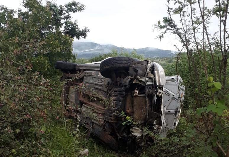 Agreste: Em alta velocidade carro capota e mata homem na BR-423