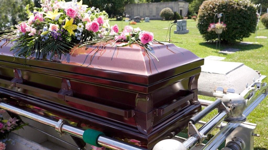 Registros de cremação e sepultamento passam a ter procedimentos excepcionais