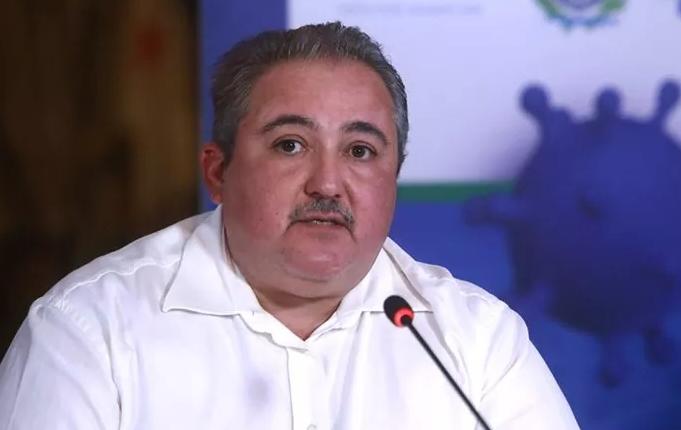 Pernambuco anuncia compra de 120 mil testes para COVID-19 e máquina de última geração