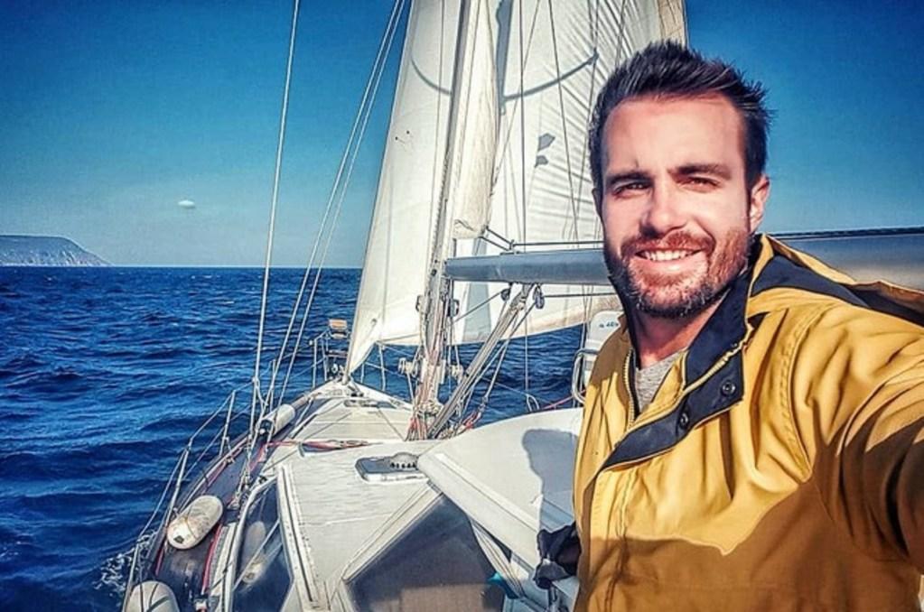 Ex-ator e repórter da Globo, Max Fercondini, larga tudo pra viver em um barco