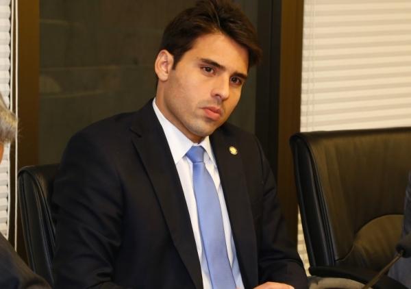 Alepe aprova PL de João Paulo Costa, que antecipa lista de materiais escolares