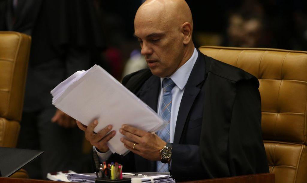 Justiça: Alexandre de Moraes retira sigilo de decisão que determinou buscas e apreensões