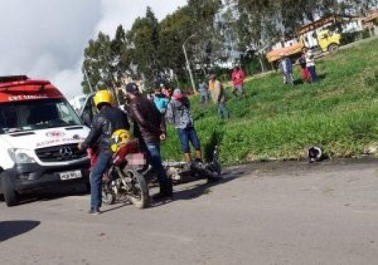 Mulher morre em acidente entre carro e moto na BR-424, em Garanhuns