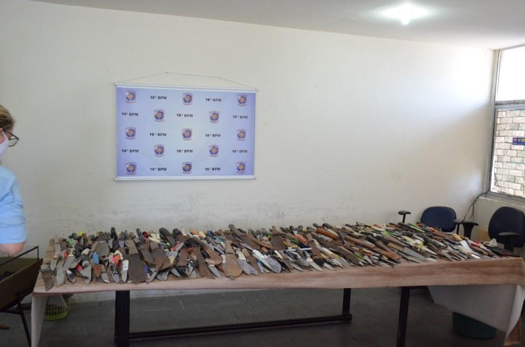 Menos armas nas ruas, menos crimes: 16ºBPM apreende 1.397 armas brancas no centro do Recife