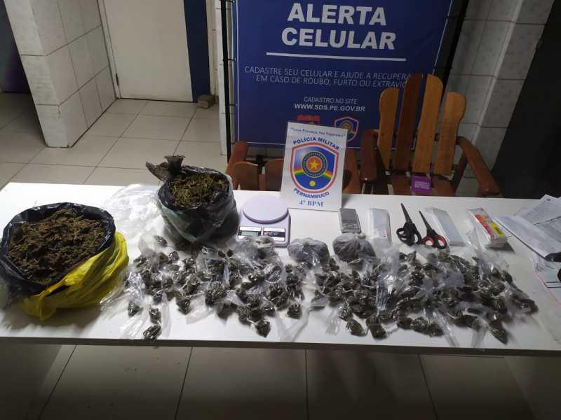 Polícia Militar prende suspeito de tráfico de drogas em Caruaru