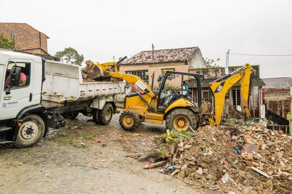 Gravatá: Prefeitura realiza limpezas e melhorias da acessibilidade na zona urbana e rural