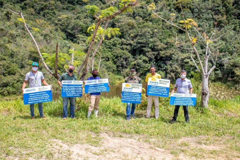 Prefeitura de Gravatá distribui placas em reservas florestais para combater caças e desmatamento