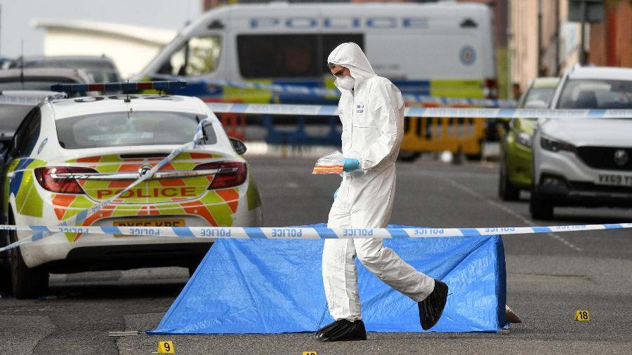 Ataque a faca deixa cinco feridos e um morto na Inglaterra