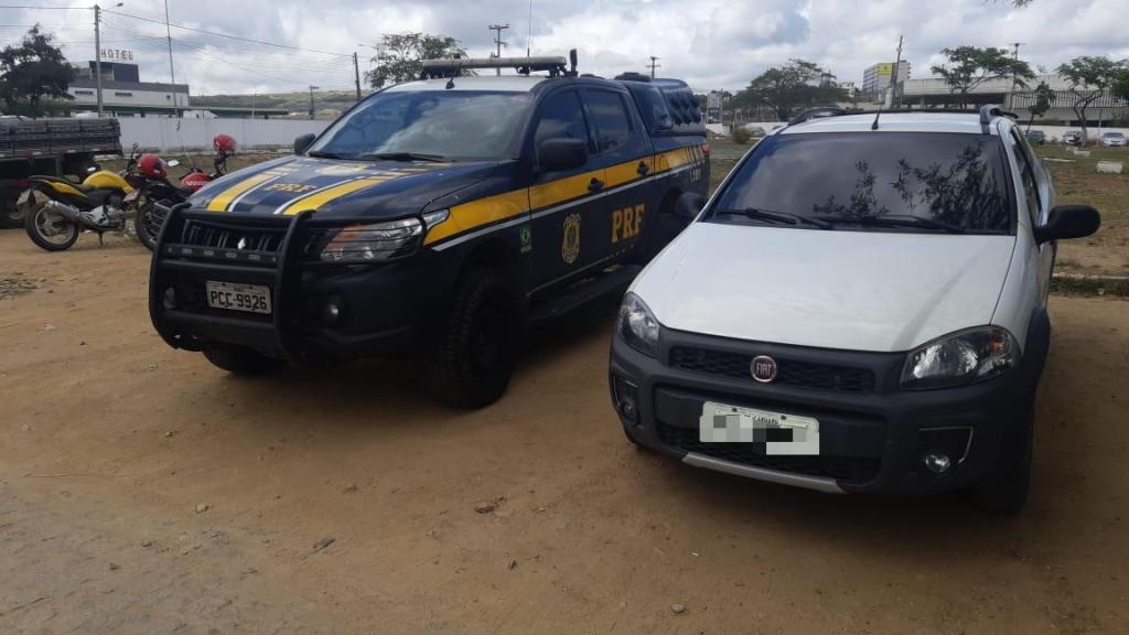 Grupo de whatsapp ajuda polícia a recuperar veículo que tinha sido roubado minutos antes em Caruaru