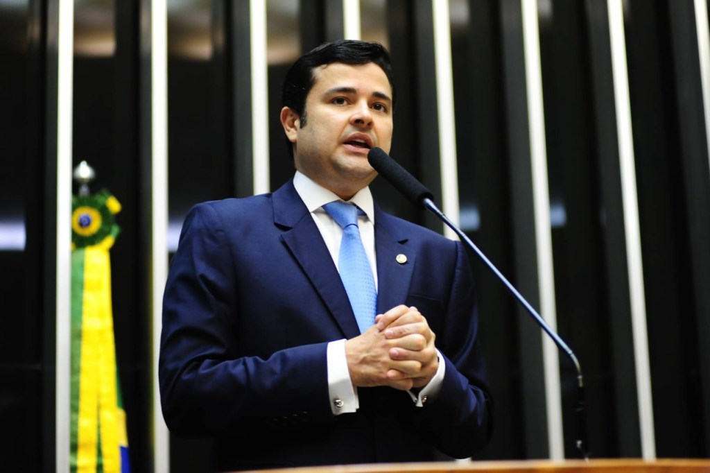 Eduardo da Fonte sugere a Bolsonaro a retomada do Renda Brasil e aponta fontes de recursos para financiar o programa