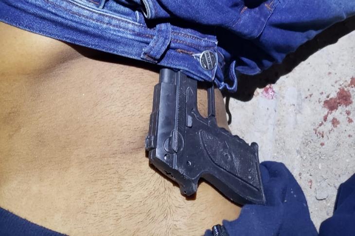 Com arma de brinquedo na cintura, rapaz morto a tiros em Pesqueira