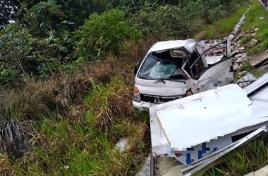 Goiana: Pneu de caminhão estoura e provoca grave acidente na BR-101