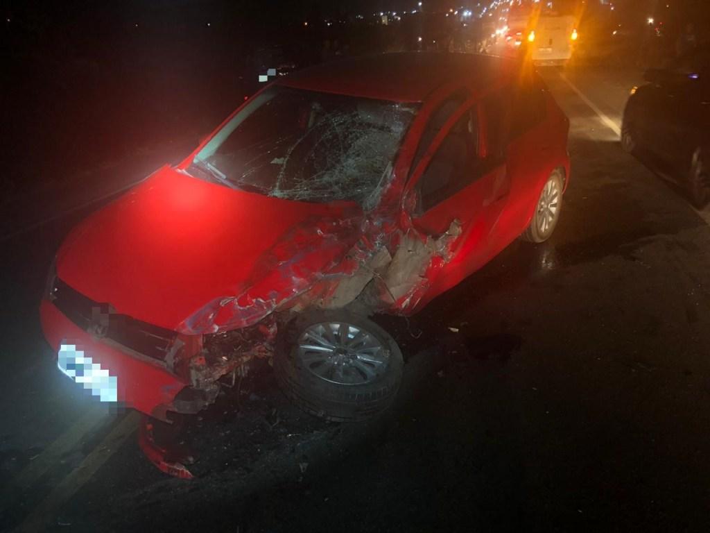 Acidente envolvendo Toyota de transporte alternativo deixa seis pessoas feridas e uma morta