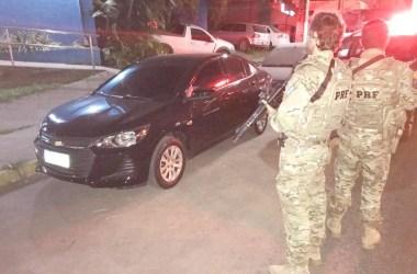 Carro roubado e sem seguro é recuperado em São Lourenço da Mata
