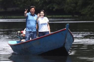 Em visita ao rio Capibaribe, Mendonça diz que o Recife vai deixar de ser a capital da desigualdade social
