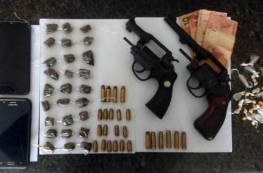PMs do 20° BPM prendem quatro suspeitos de tráfico em São Lourenço