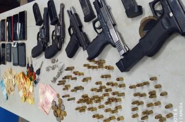 BEPI prende nove e apreende grande quantidade de armas durante operação em Vitória de Santo Antão