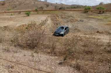 Homens roubam carro em Passira e capotam veículo em Limoeiro