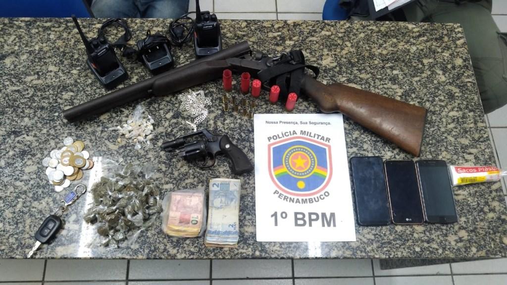 PM prende cinco suspeitos de tráfico em Olinda